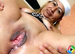 Horny mature Magnolia loves her special toys