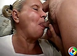Granny slut getting facefucked
