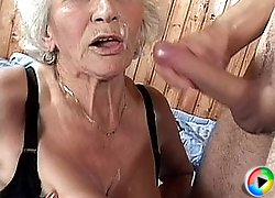 Slutty gran gets a face spunk