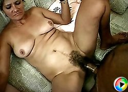 Mature slut gorge on two cocks